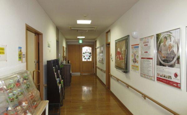 こちらの廊下から各居室へと繋がっています。