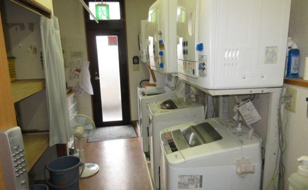 洗濯機も施設内にあります