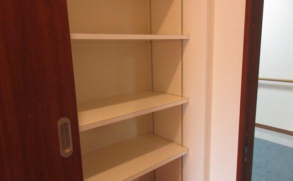 居室内の収納もあります。