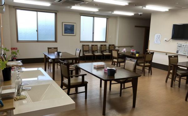 2階の共用(食事)スペース。各フロアでの食事となります。