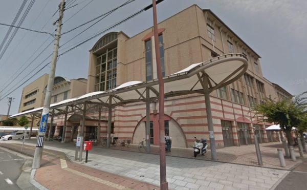 近くには西大寺ふれあいセンターがあります。