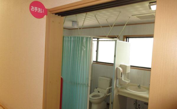 トイレは共有となっております