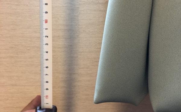 カーテンは初めから付いてますが、もしお好みにより変更する場合は高さ170cmの物が必要