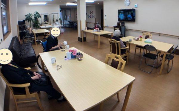 1階共用(食事)スペース。ゆったりと寛いだり毎日のレクリエーションの場所となります。