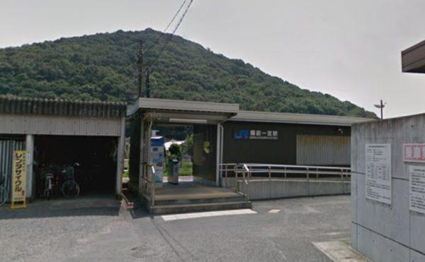 一番近くにあるJR吉備線の備前一宮駅から徒歩約10分