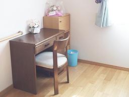 居室は全部で9室。すべて個室タイプになっています。居室は入居者様の愛用の家具を持ち込んでいただいても大丈夫です。