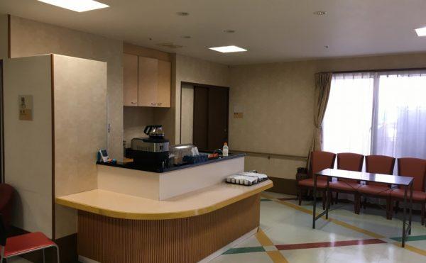 1階の食事スペース。お茶の時間などもこちらに集まります。