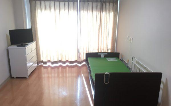 一人部屋の居室。18.6m2で広いお部屋です。(全32戸)