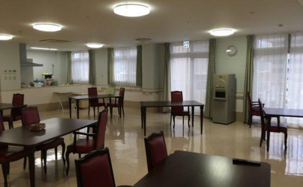 各フロアにある共同スペースではお食事やレクリエーションが行われます。