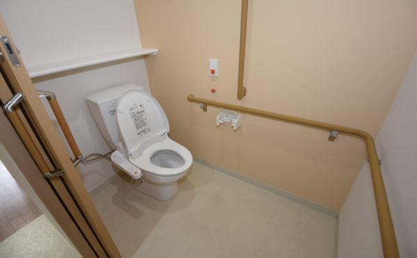 広いスペースで車椅子の方でも楽々便利!