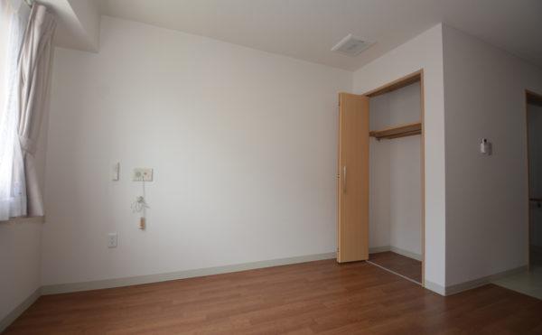 広いお部屋にプラスして、収納スペースを確保!