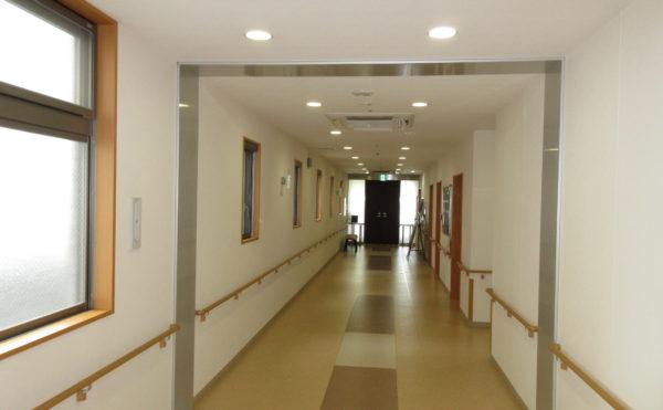 居室につながる廊下