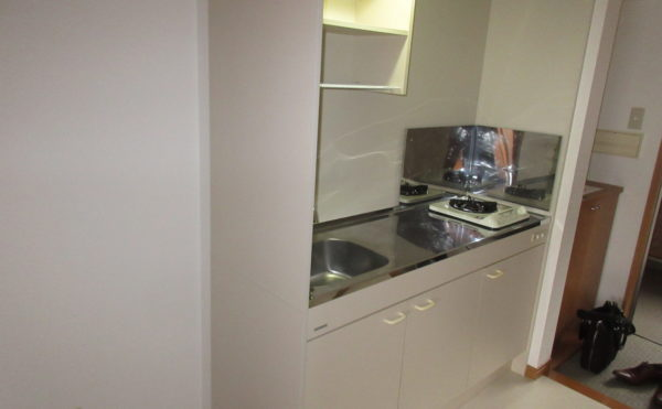 キッチンもガスコンロが付いていて自宅と同じように使えます