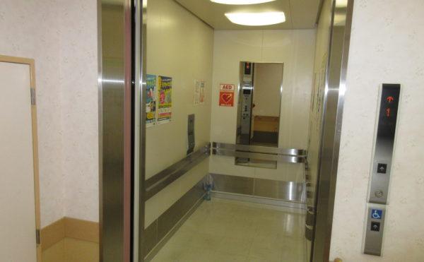 エレベーターも広々