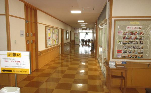 廊下も広々です