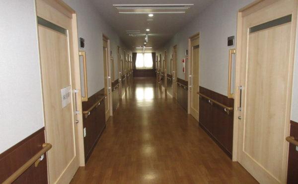 居室に続く廊下です