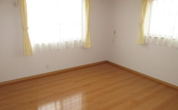 居室は非常に広く清掃も行き届いています。