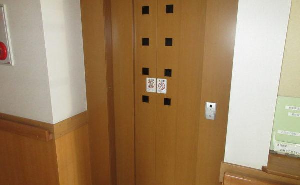 2階建てですのでホームエレベーターが付いています。