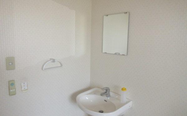 居室には洗面もついています。