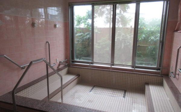 デイサービスには大浴場にあります。