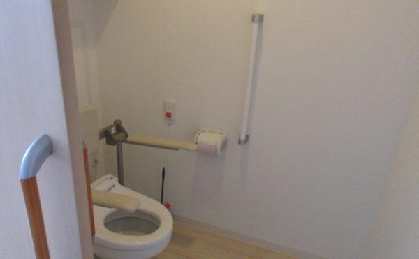 居室にはトイレが付いています