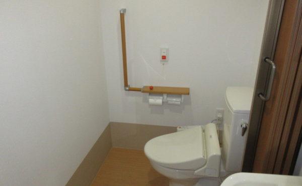 居室にトイレは完備です