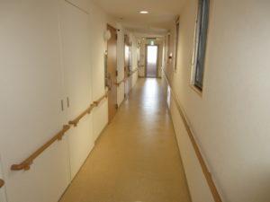 岡山市 サービス付き高齢者向け住宅 そんぽの家東古松S 居室に続く廊下